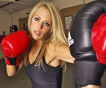 The Mixed Martial Arts Workout Routine That Will Torch Belly Fat