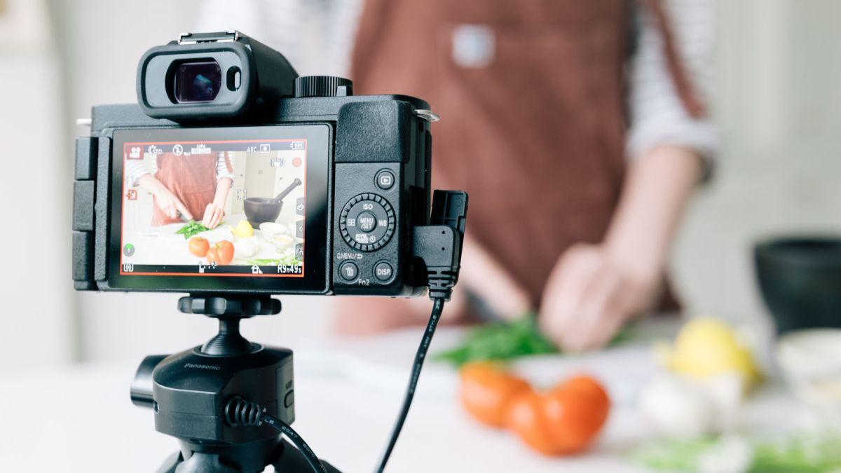 How to vlog: vlogging set, vlogging ideas and vlogging concepts