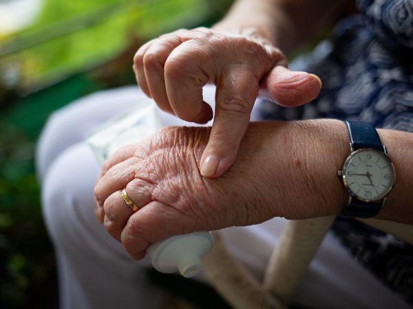 Arthritis: Signs and signs to keep an eye out for, treatment and ideas to avoid
